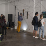 Visitatori alla mostra al may mask di via giardini